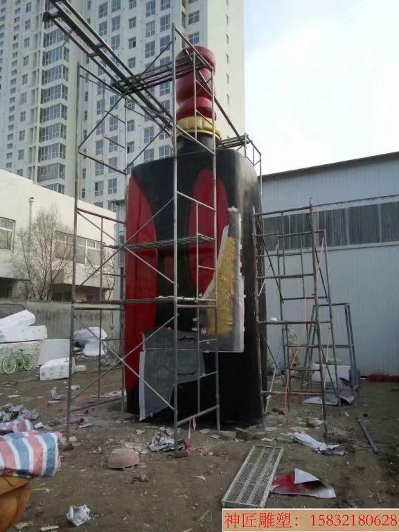 玻璃钢大型酒瓶雕塑,酒厂仿真酒瓶雕塑定制
